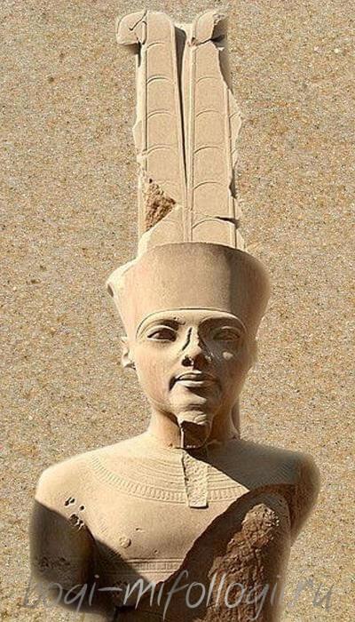 Скульптура бога Амона